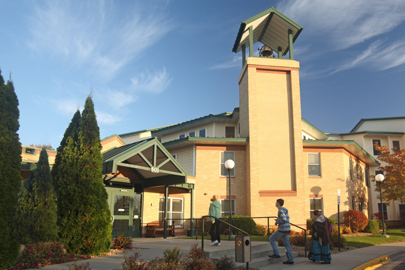Courtyard at Auburn assisted living exterior