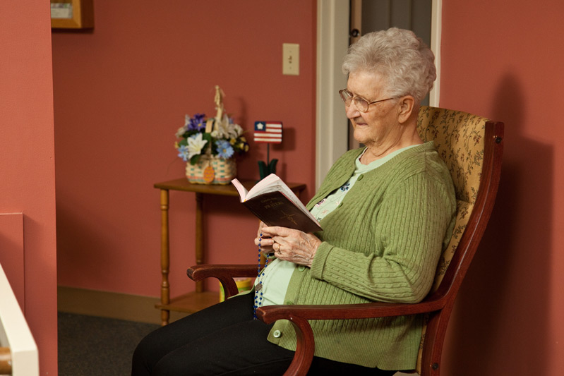 Auburn Manor resident and chaplain